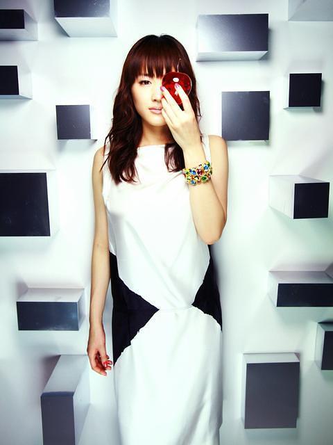 Ayase Haruka Cyborg Photoshoot 06