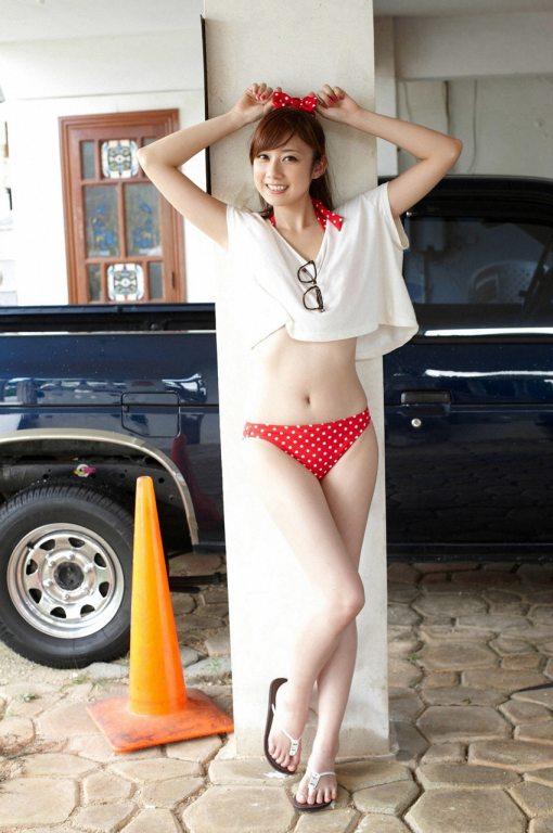 Yumi-Kobayashi-Feet-864036