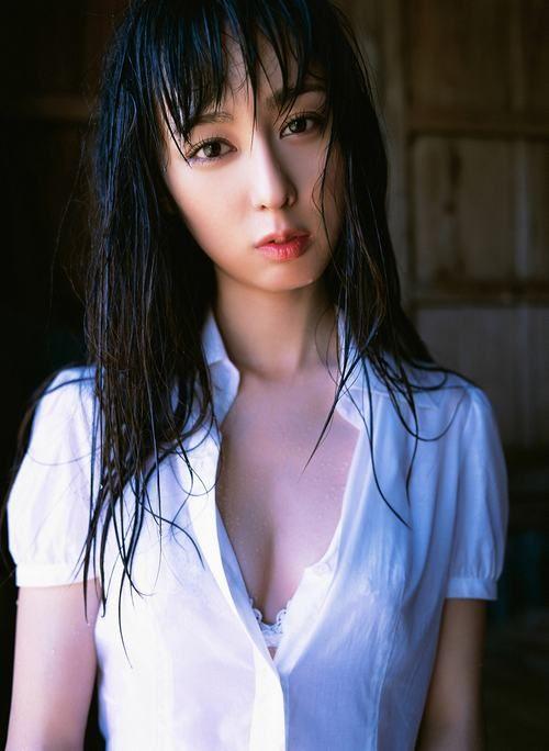 rina-akiyama-04