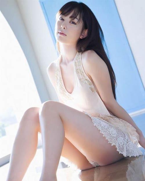 rina-akiyama-19