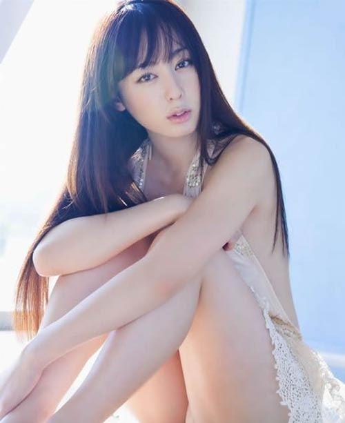 rina-akiyama-21