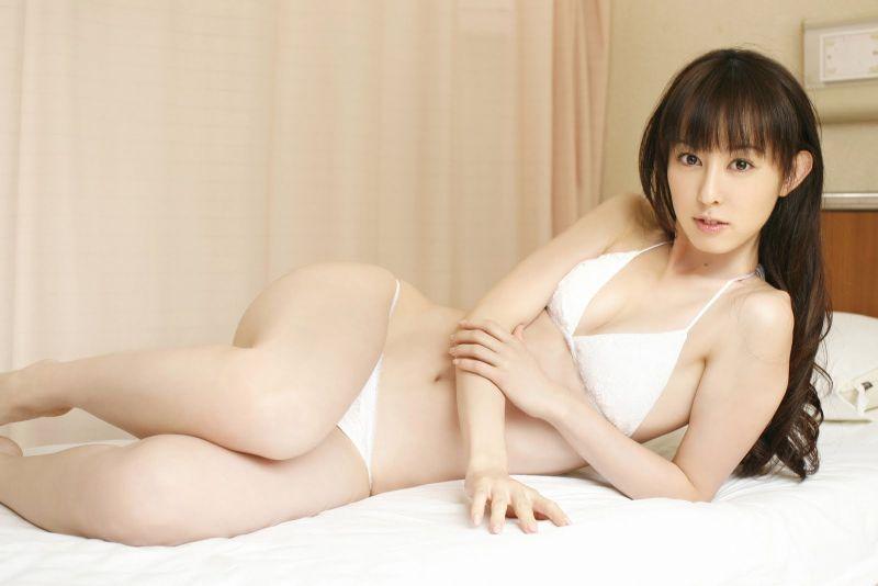 rina-akiyama-23