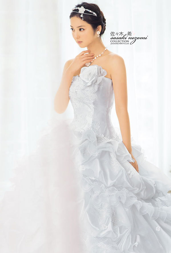 nozomi-sasaki-wedding-dress-2