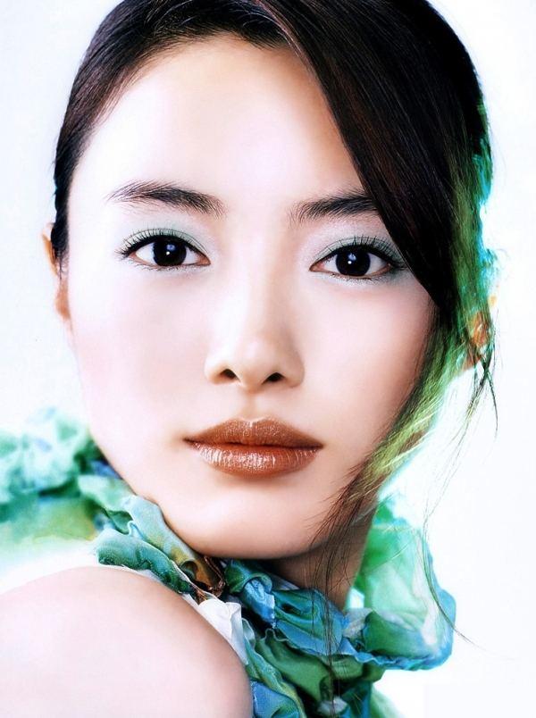 600full-yukie-nakama (18)