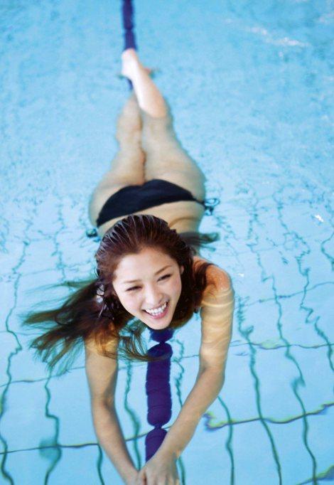 rika-swim