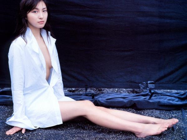 Ryoko_Hirosue_040025