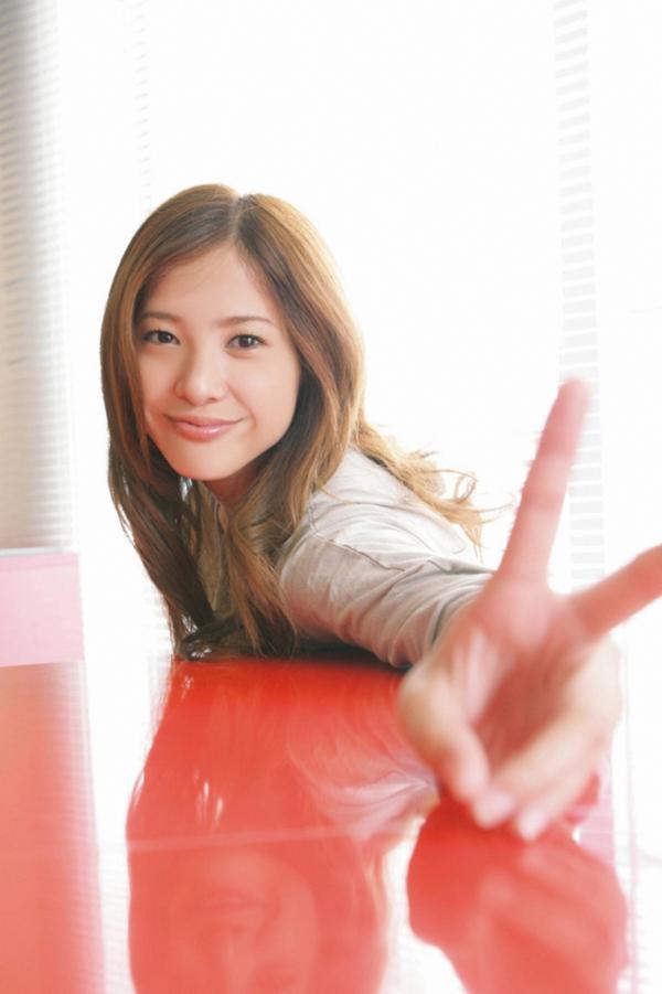 tumblr_static_936full-yuriko-yoshitaka
