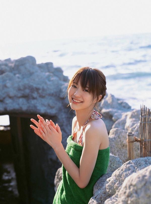 rina-aizawa-lake-trip-2957c4253af866e1c67c5bf7dc707558-large-841045